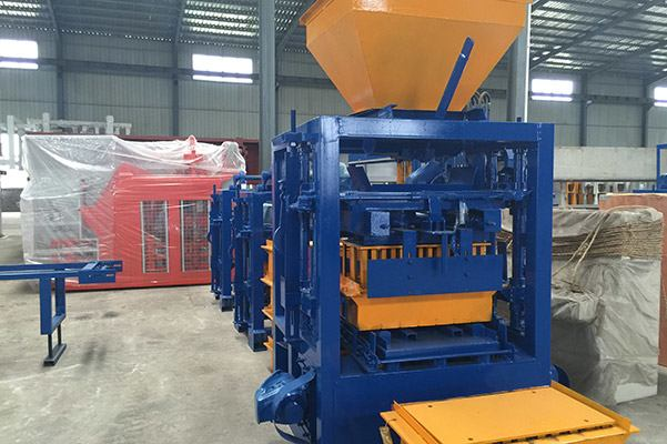 QT4-20 Semi Automatic Block Making Machine