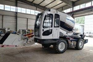 HMC400 Self-loading Concrete Mixer in Sierra Leone